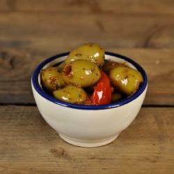 Olijven tomaat basilicum